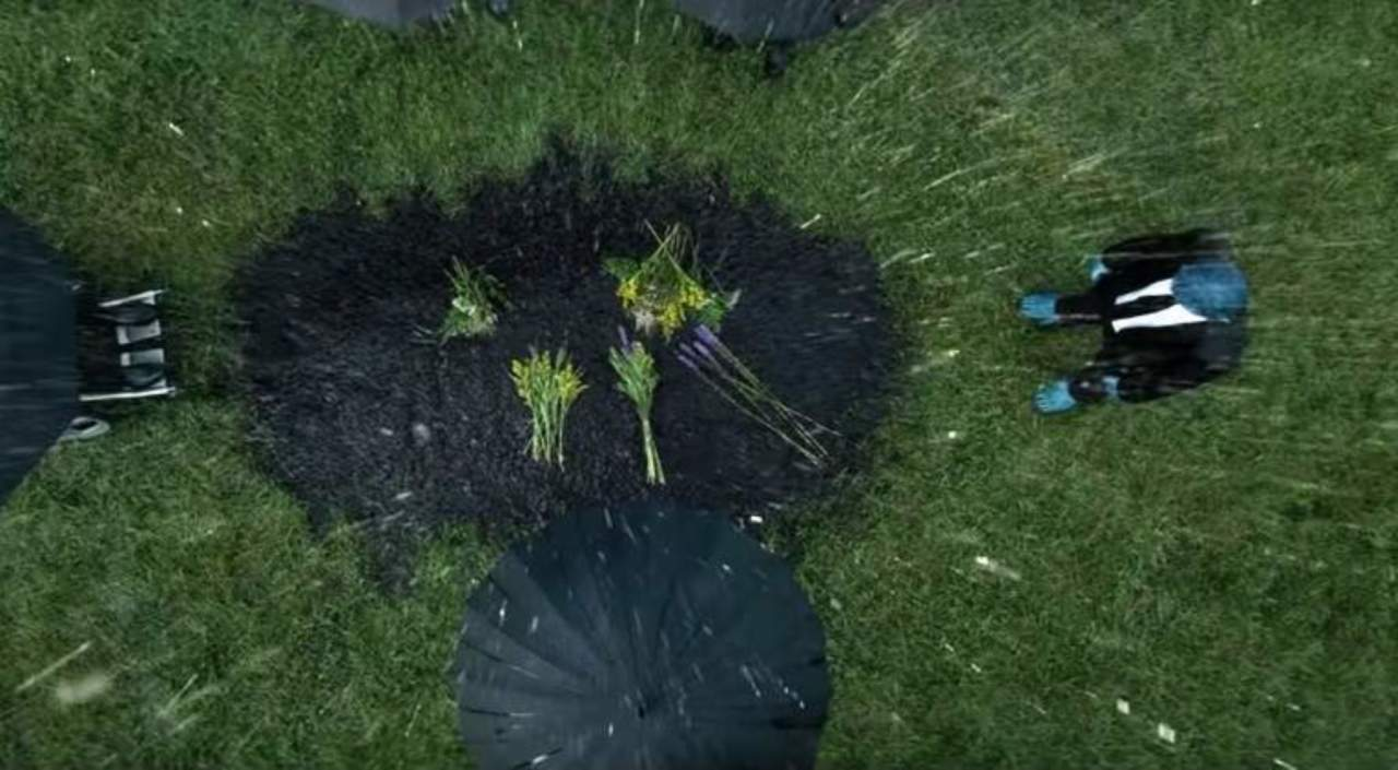 Grave in Dark Phoenix Trailer