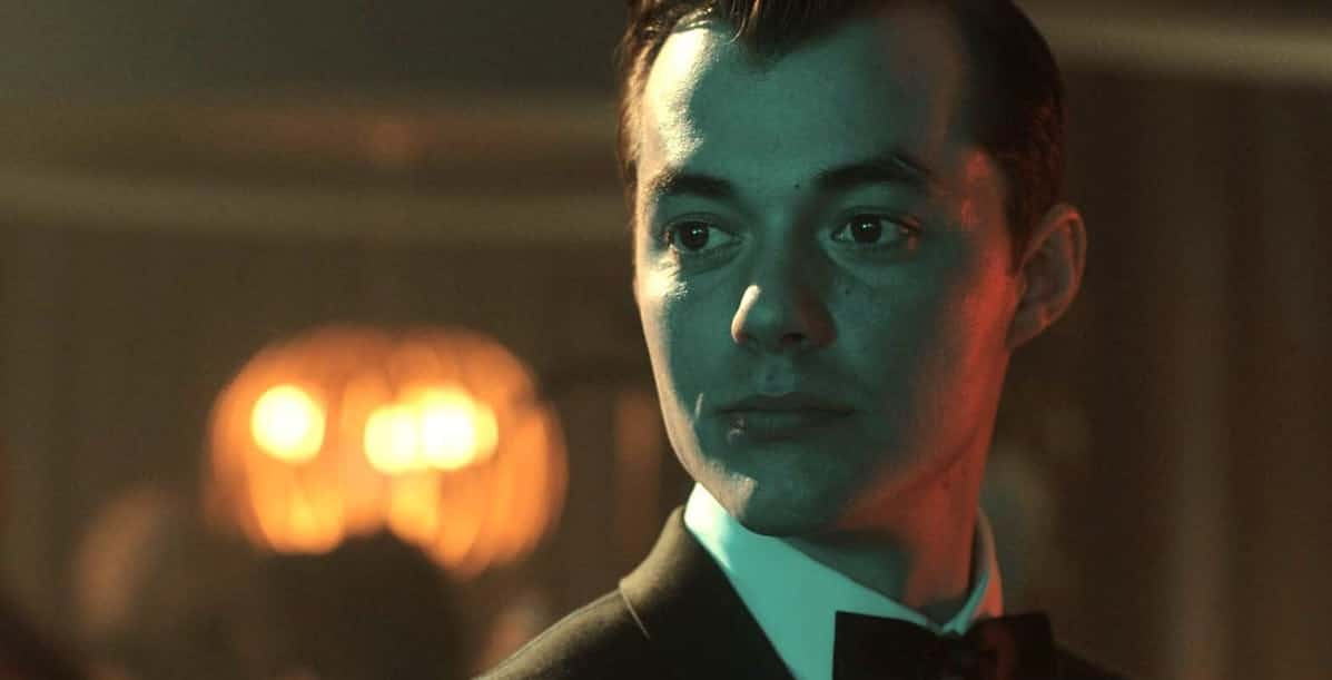 Jack-Bannon-as-Alfred-on-Pennyworth-TV-show-