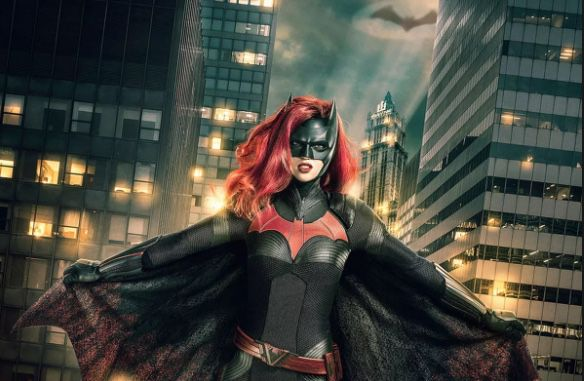 Batwoman Trailer Reveals First Look at Red Alice