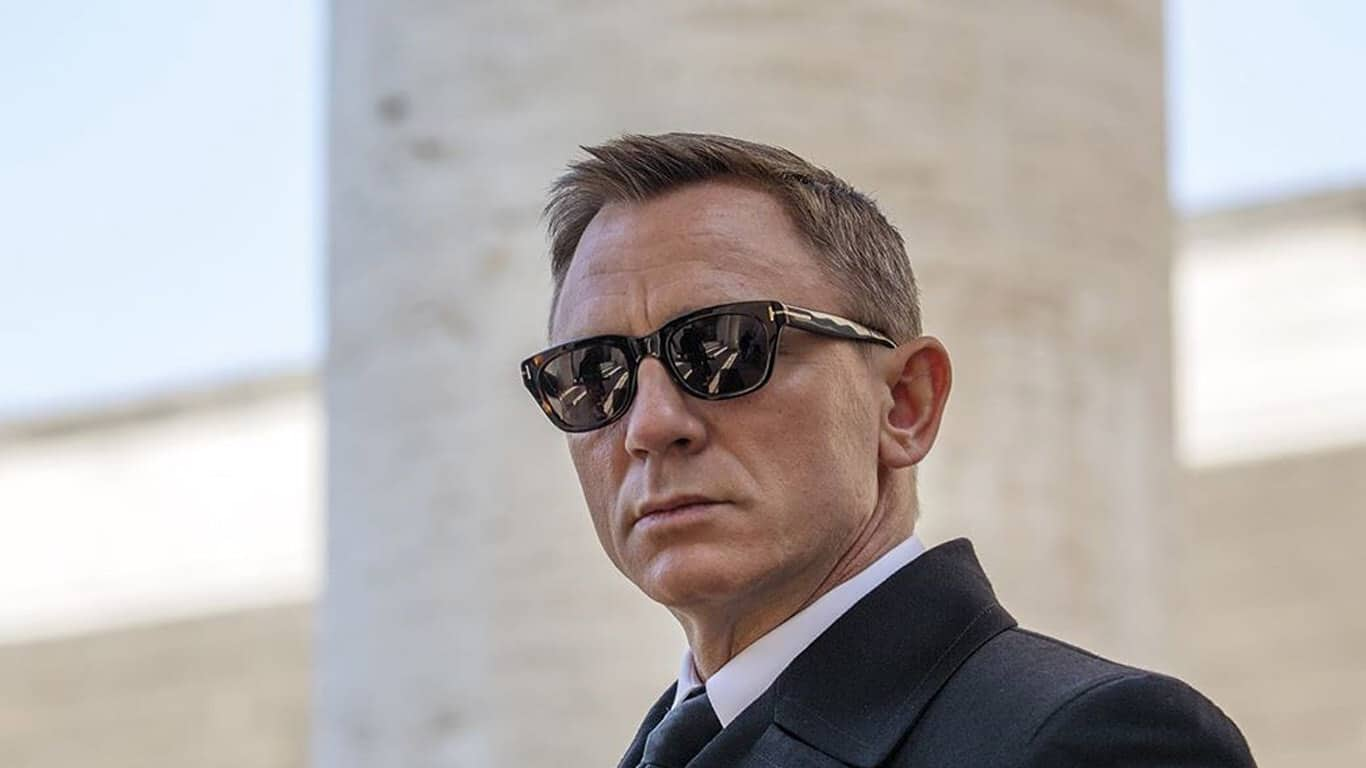Even after injury, Daniel Craig makes an extensive comeback as Bond