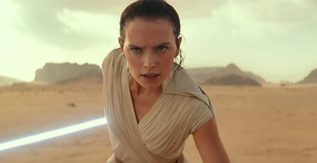 "Star Wars Star Daisy Ridley Talks About ""Savage"" Social Media Followers"