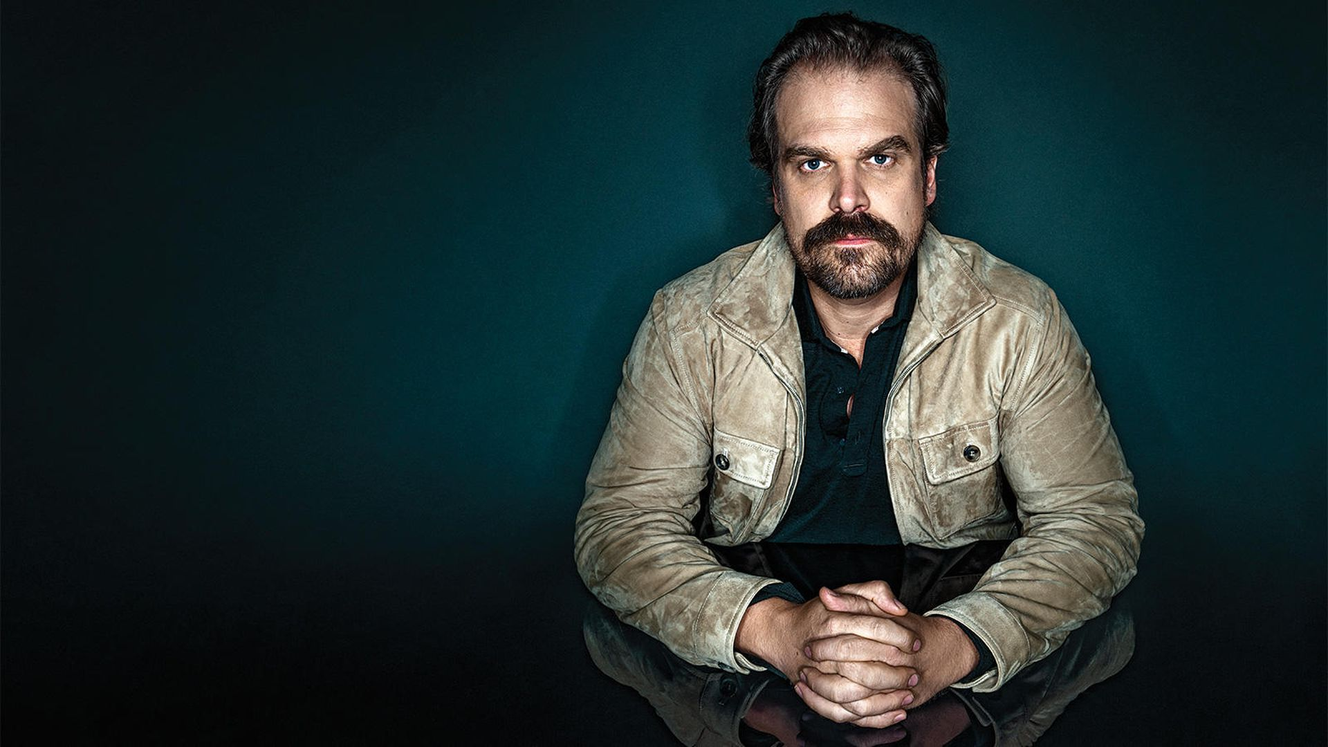 Black Widow Star David Harbour Wants You to Text Him, Hopes to Get Project Going Featuring Fans and Friends