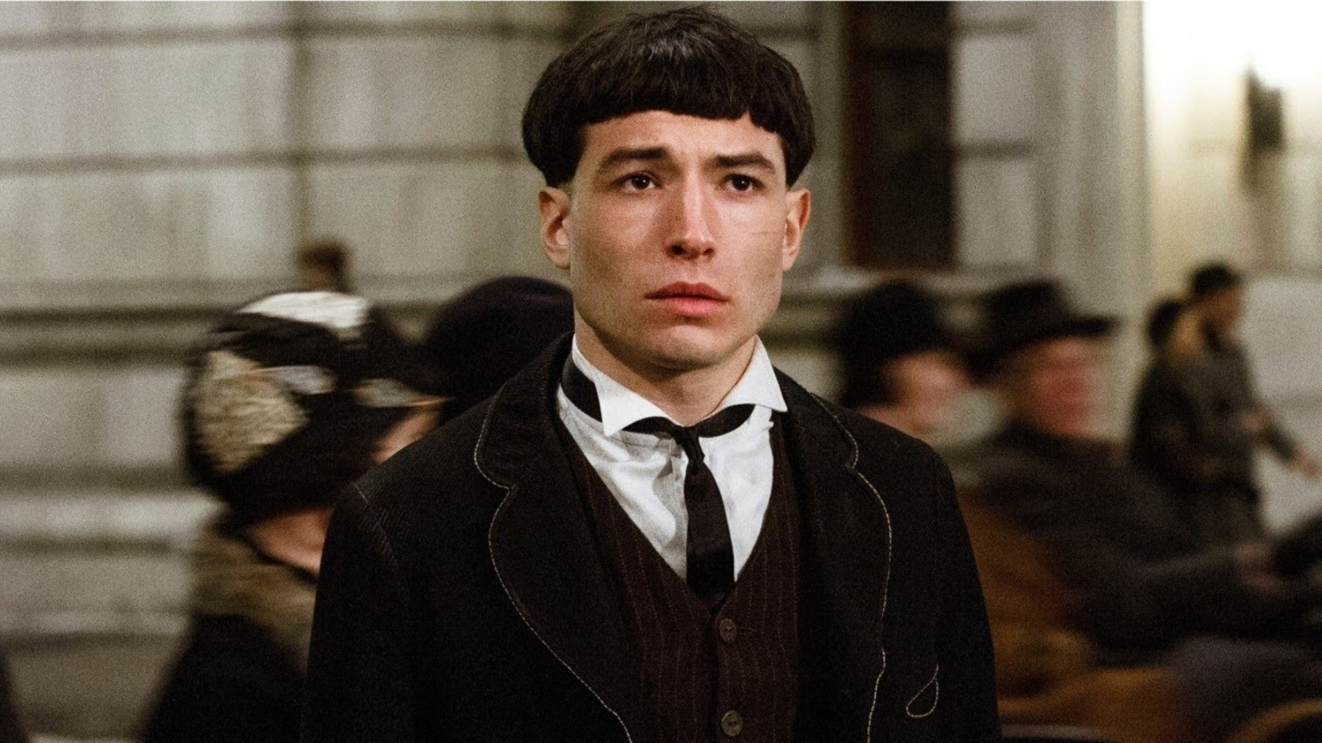 He is known for his popular role in Fantastic Beasts